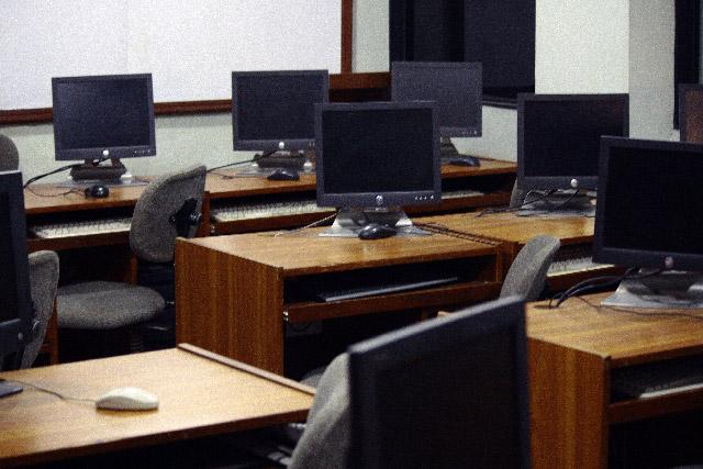 プログラミング、ゲーム制作に力を入れている通信制高校に注目!