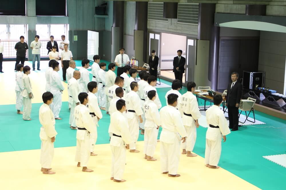 中央国際高校が定通制の柔道大会で優勝
