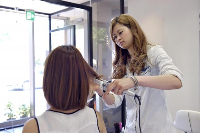美容師を目指せる通信制高校・サポート校
