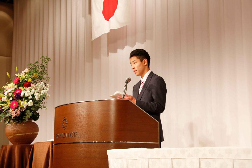 在校生を代表して送る言葉を述べるのは、渋谷原宿校に在籍する山下君