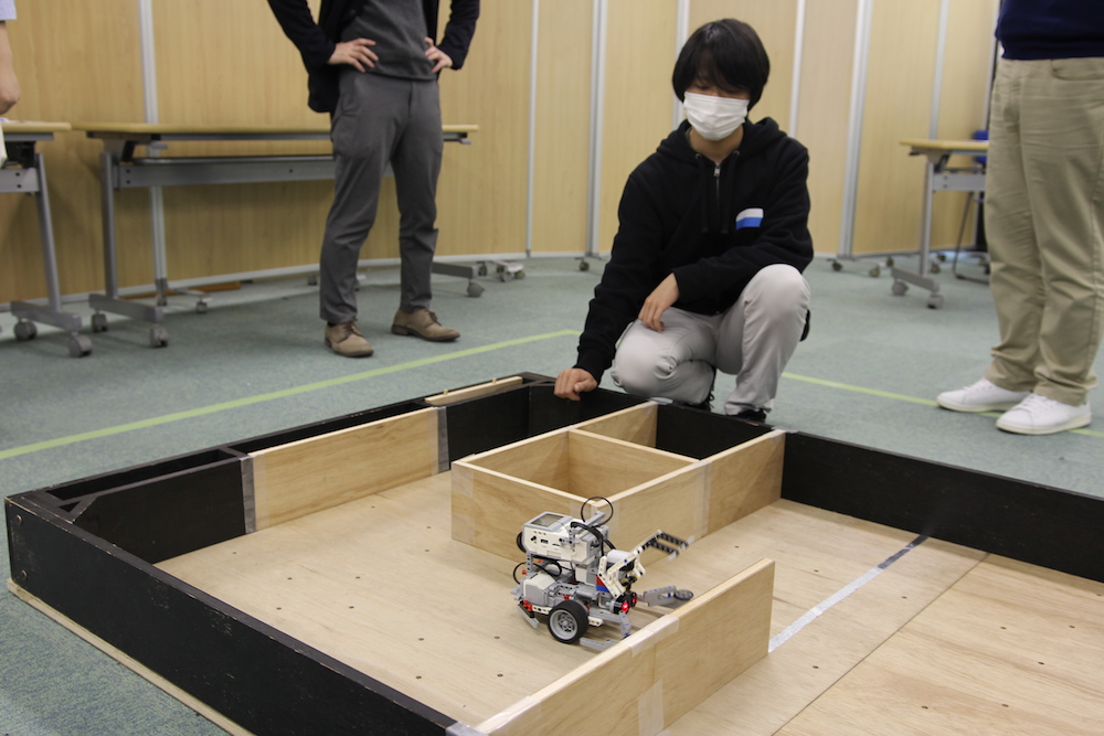 動きの正確さと圧倒的なスピードで【トレジャーハントの部】を制した、高橋さんのロボット